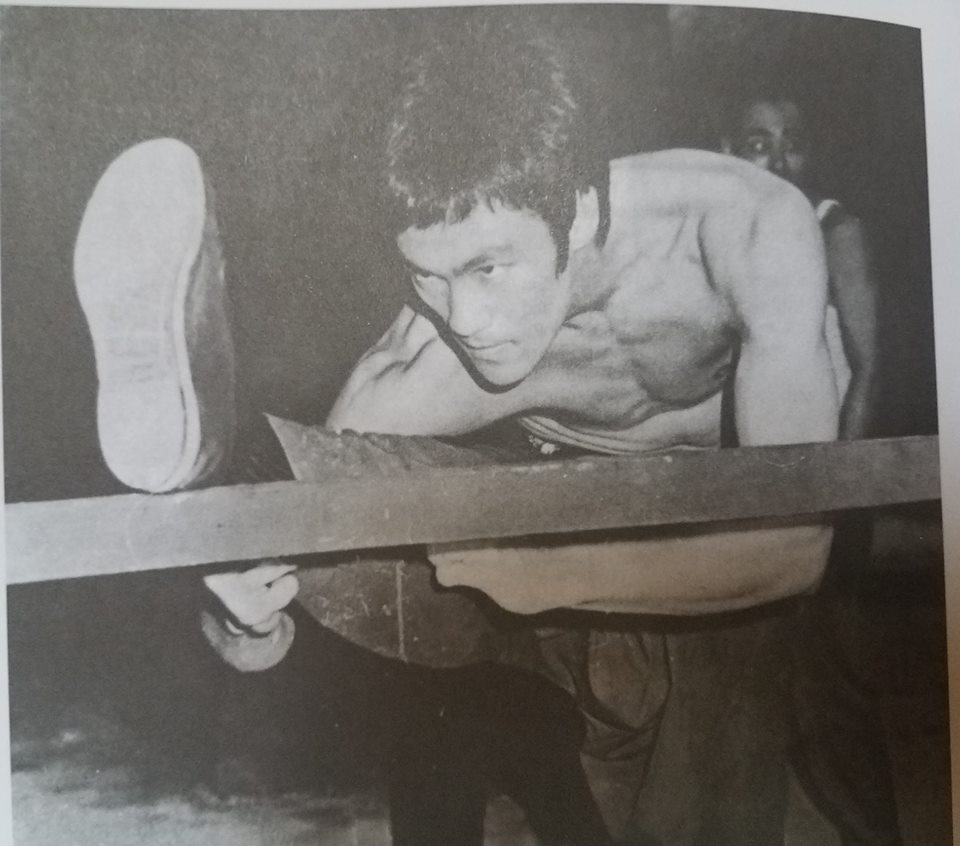 Bruce Lee: The Tao of Stretching